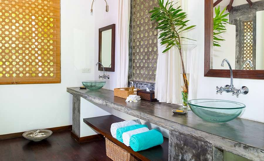 Walawe Jacuzzi Suite Bathroom