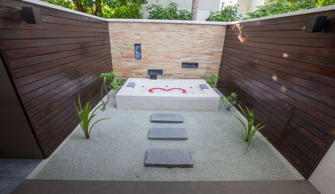 Lagoon Villa Outdoor Private Tub